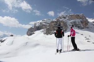 vallon-franz-kostner-huette-ski-fahrer