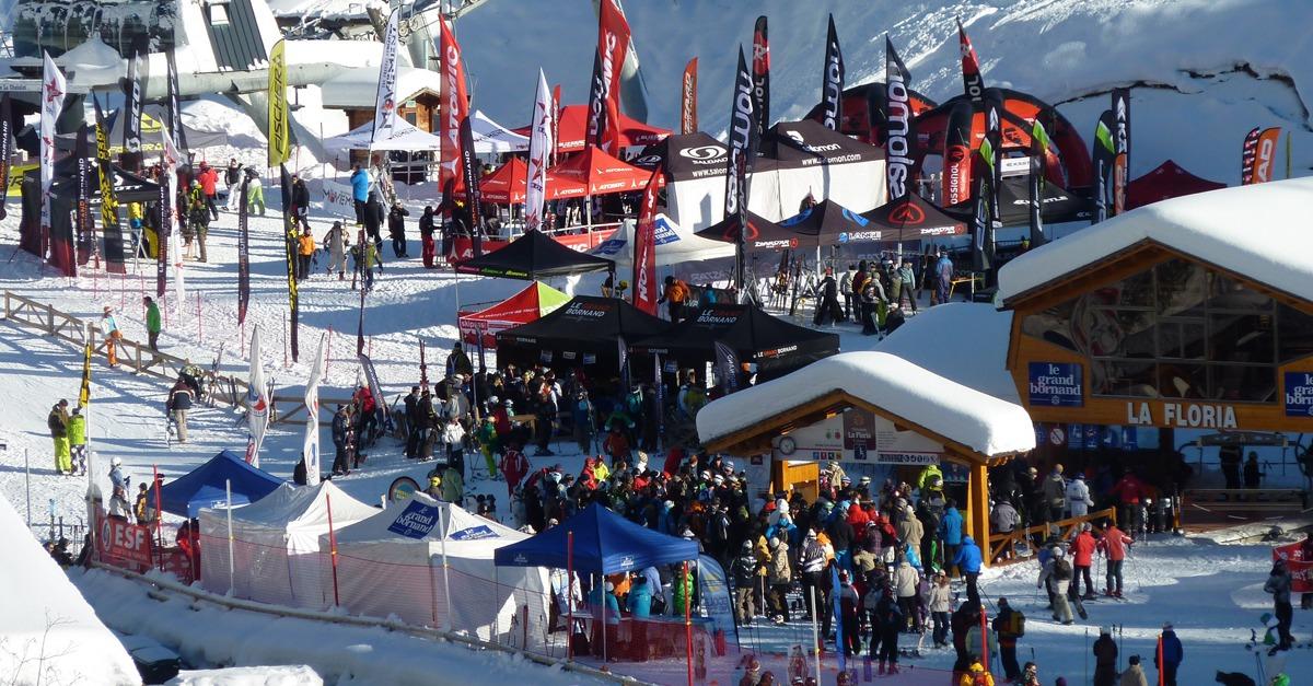 outdoorfan la neige est d j la la saison d marre sur les carres de ski. Black Bedroom Furniture Sets. Home Design Ideas